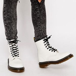 NWT ⭐️Doc Marten White Leather High Tops